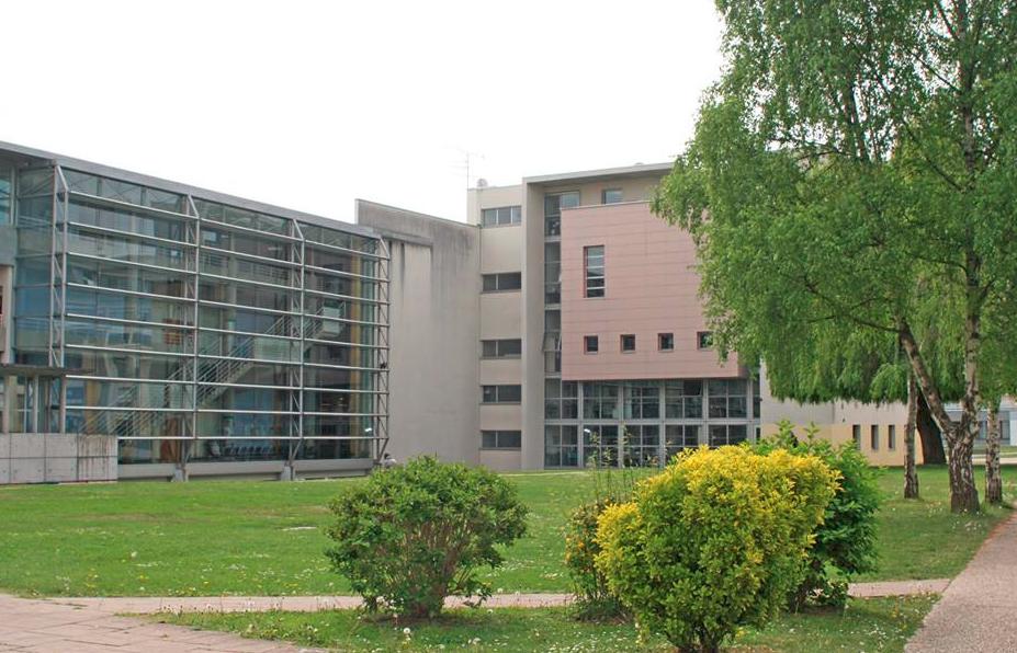 universitas di perancis